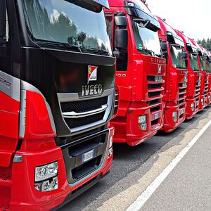 formula-1-truck-red-row